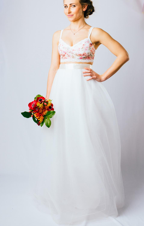 99b6ae94c2c svatební a družičkovské sukně Akari